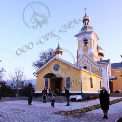 Женский монастырь в честь Святого великомученика Дмитрия Солунского в селе Припичень Куркь Резинского района Республики Молдова