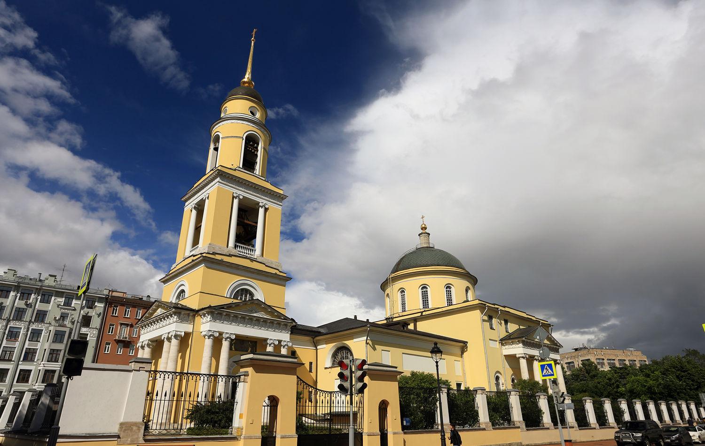Реставрация куполов и крестов храма «Большое Вознесение